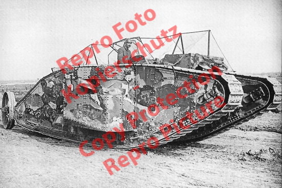 Foto-20er-Format-British-Mark-I-Female-Tank-ca-20x30cm